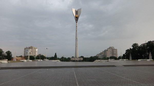 Стела «Освободителям Ростова» в Ростове-на-Дону