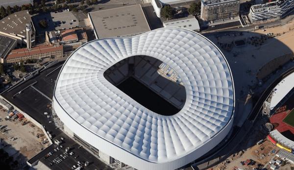 Вид на стадион «Велодром» в Марселе