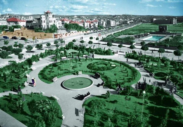 Вид сверху на площадь Кызылай в Анкаре