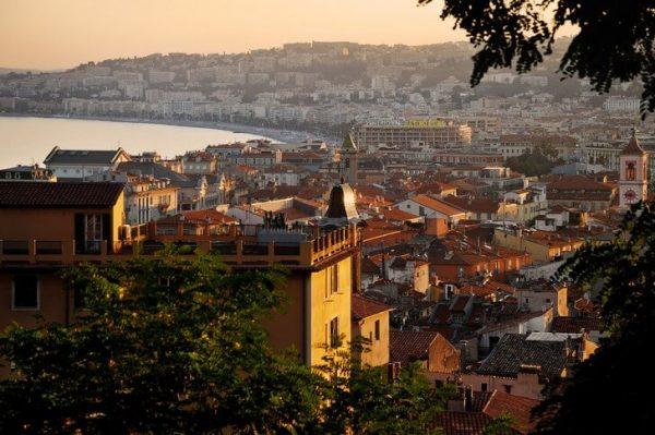 Вид на улицы Старого города в Ницце