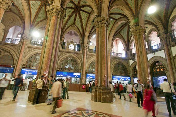 Вокзал Чхатрапати-Шиваджи внутри