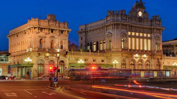 Здание железнодорожного вокзала Бриньоле в Генуе