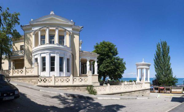 Дача «Милос» в Феодосии
