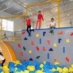 Детский скалодром в парке развлечений «Лето»