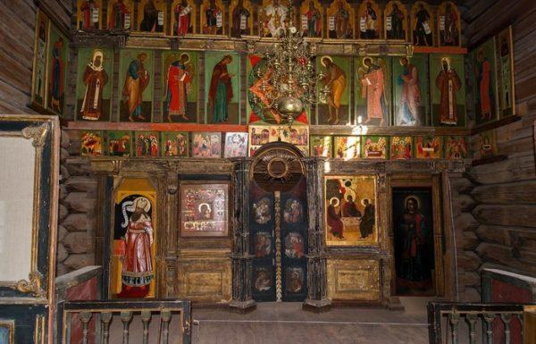 Иконостас церкви Троицы Живоначальной