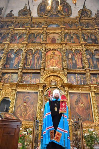 Иконостас собора Прокопия Праведного в Великом Устюге