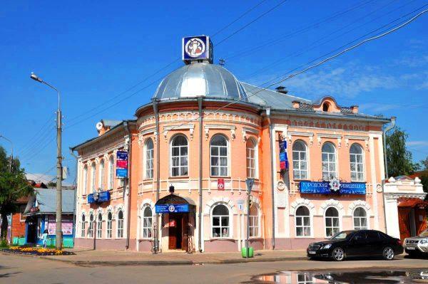 Особняк Красильникова, или городская резиденция Деда Мороза, в Великом Устюге