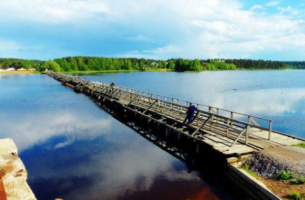 Деревянный пешеходный мост через Вуоксу