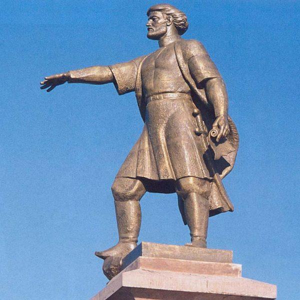 Памятник Андрею Дубенскому
