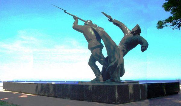Памятник героям-десантникам в Феодосии