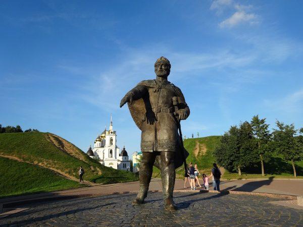 Памятник Юрию Долгорукому на Советской площади