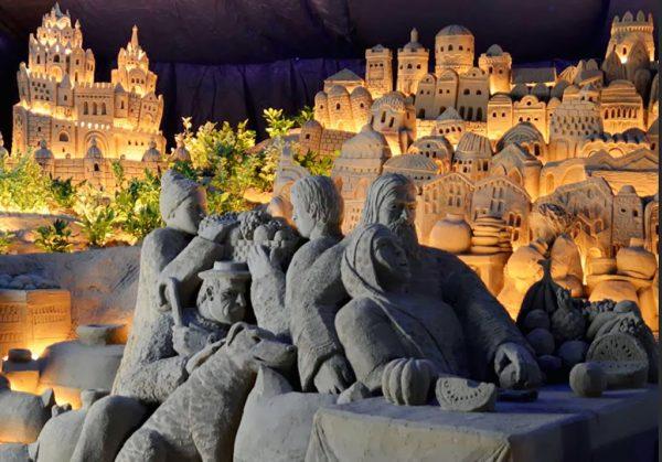 Песчаные скульптуры на побережье Римини