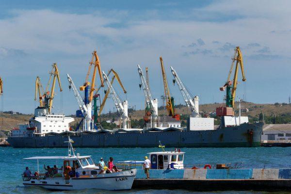 Порт в Феодосии