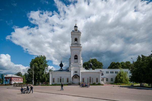 Собор Петра и Павла с трёхъярусной колокольней
