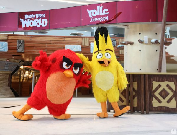 Ростовые куклы Angry Birds в парке