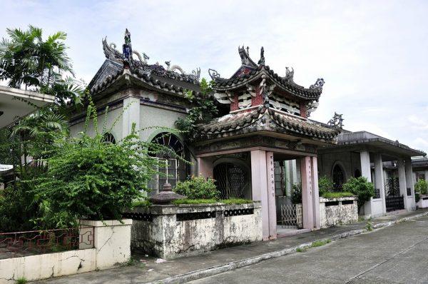 Усыпальница на Китайском кладбище