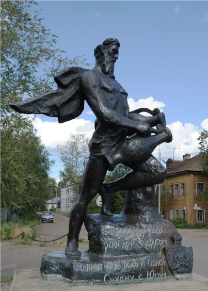 Скульптура «Водолей» в Великом Устюге