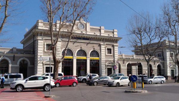 Здание железнодорожного вокзала в Римини