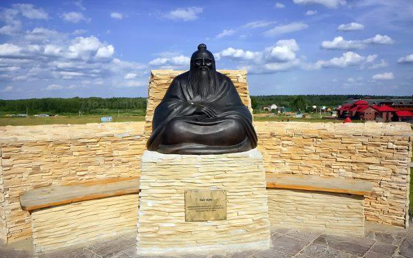 Памятник Лао-Цзы