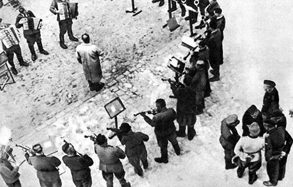 Заключённые концлагеря играют «Танго смерти»