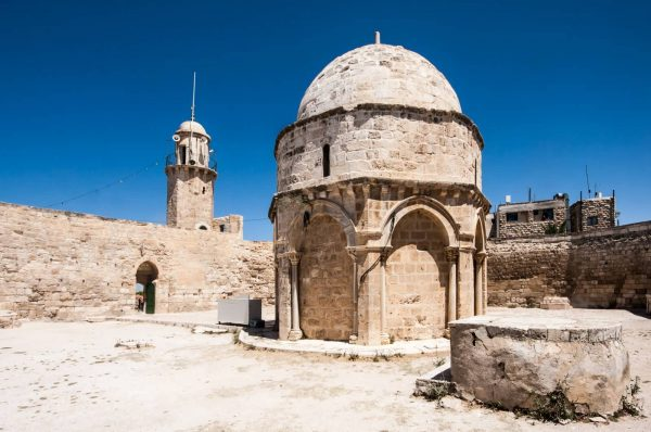 Древние сооружения на Храмовой горе