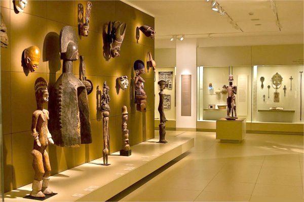 Экспонаты в музее Израиля