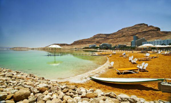 Пляжное побережье Эйн-Бокек на Мёртвом море