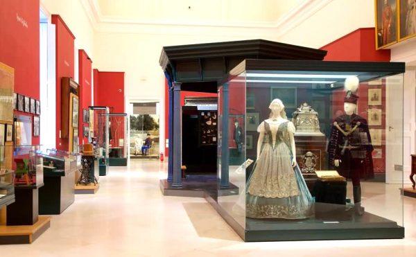 Экспонаты в Национальном музее Будапешта
