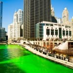 Река в День Святого Патрика