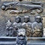 Скульптуры на стенах церкви святого Якоба