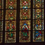 Витражи на окнах собора святого Петра