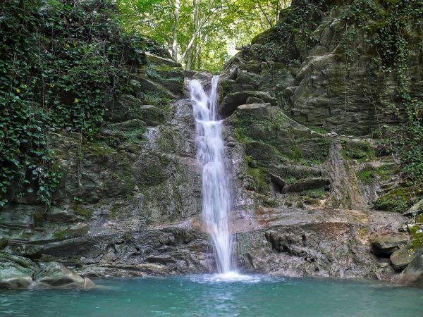 Водопад на реке Дедеркой