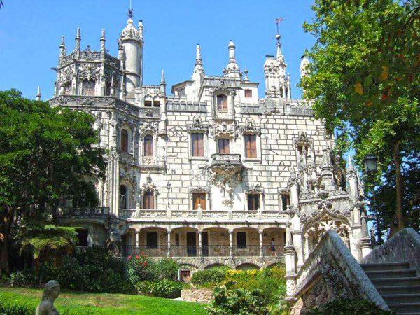 Здание дворца Пимента в Лиссабоне