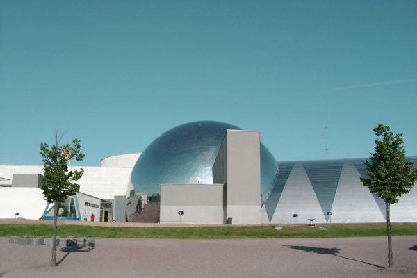 Научно-популярный центр «Эврика» в Хельсинки