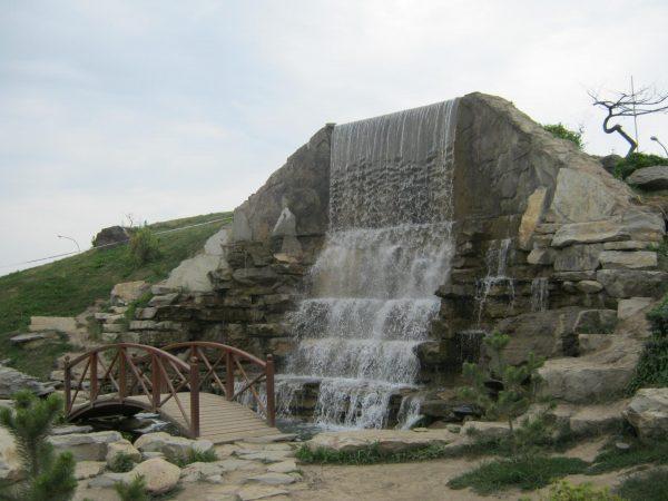 Фонтан «Водопад»