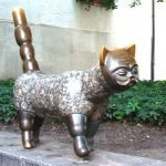 Скульптура «Кот-джентльмен» в Клайпеде