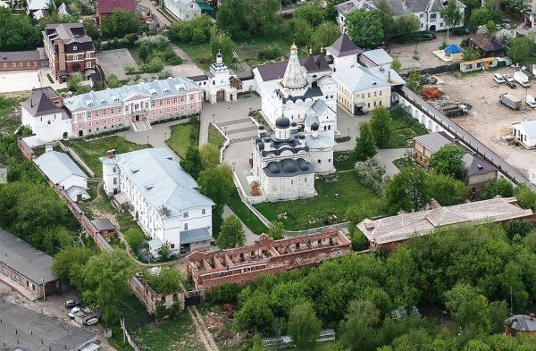 Введенский владычний женский монастырь в Серпухове