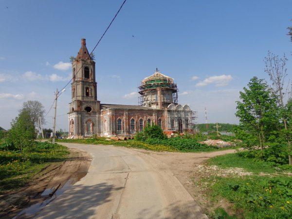Церковь Рождества Христова в усадьбе Рождествено-Телятьево