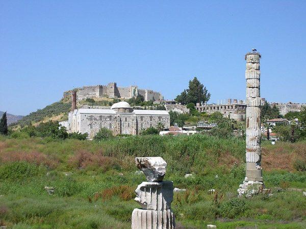 Руины храма Артемиды Эфесской