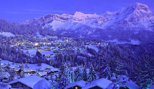 Вид на Виллар в Швейцарии