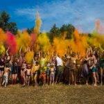 Фестиваль красок Холи на «Макушке лета»