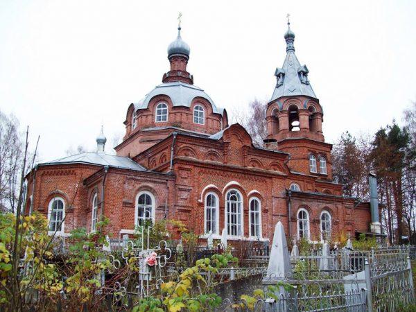 Храм Всех Святых в Гороховце