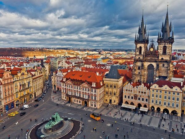 Вид на одну из площадей Праги