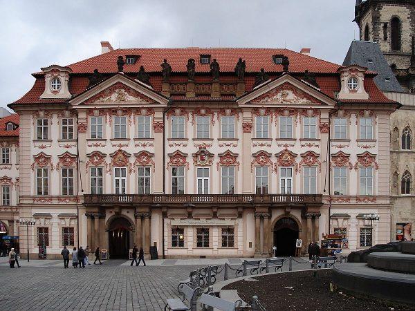 Дворец Кинских в Праге