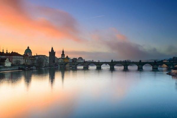 Вид на реку Влтаву в Праге