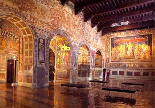 Интерьер Общественного дворца в Сиене
