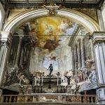 Алтарь и фрески в церкви Сантиссима Аннунциата