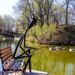 Живые фонари в Лопатинском саду: рыбак