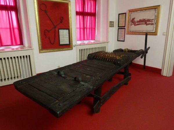 Один из экспонатов Пражского музея пыток