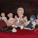 Коллекция старинных кукол в доме-музее Паши Саровской
